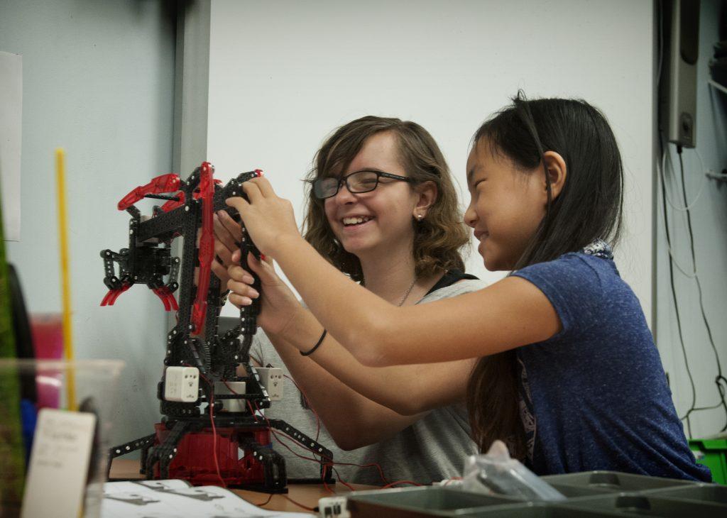 STEM- Robot Gripp'n Tech