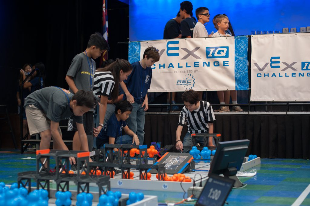 IPA Navigator Robotics team members assist with the tournament.