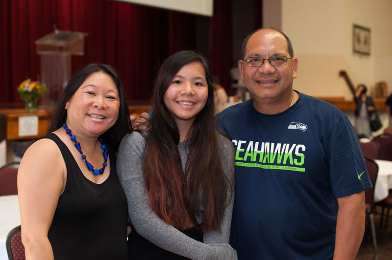 Elise Pangolinan ('18) and her parents.