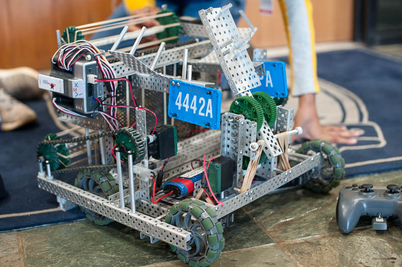 Navigator Robotics Team 4442A's robot.