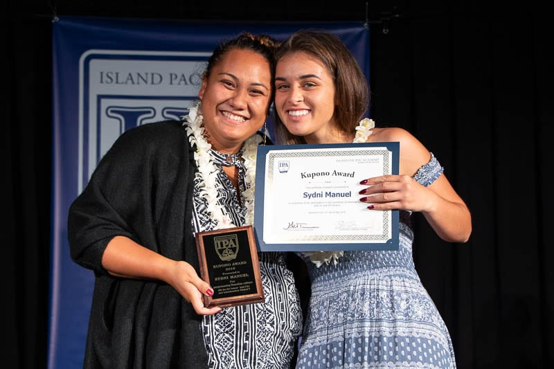 Sydni Manual receives Kupono Award