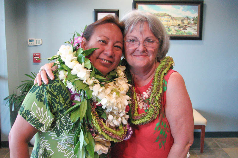 Momi Kuahiwinui with IPA co-founder, Judy White, at the 2008 May Day celebration.