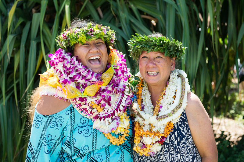 Momi Kuahiwinui and her daughter Makana celebrating the 2019 IPA May Day performance at Puʻuokapōlei.